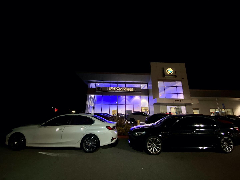 Name:  330 M5 at Dealership.jpg Views: 758 Size:  186.4 KB