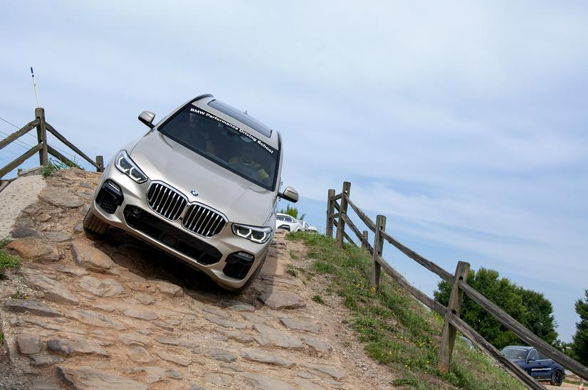 Name:  20_Years_of_BMW_Performance_Center_Driver_Training_and_Experiences_Spartanburg_SC_(12)__mid.jpg Views: 2035 Size:  67.8 KB