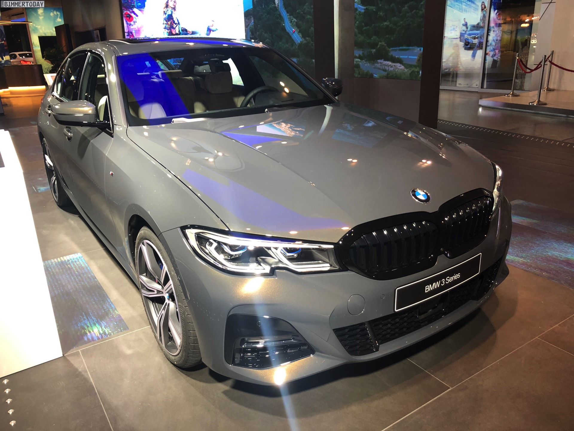 Name:  2019-BMW-3er-G20-M-Sport-Shadow-Line-erweiterter-Umfang-Dravitgrau-01.jpg