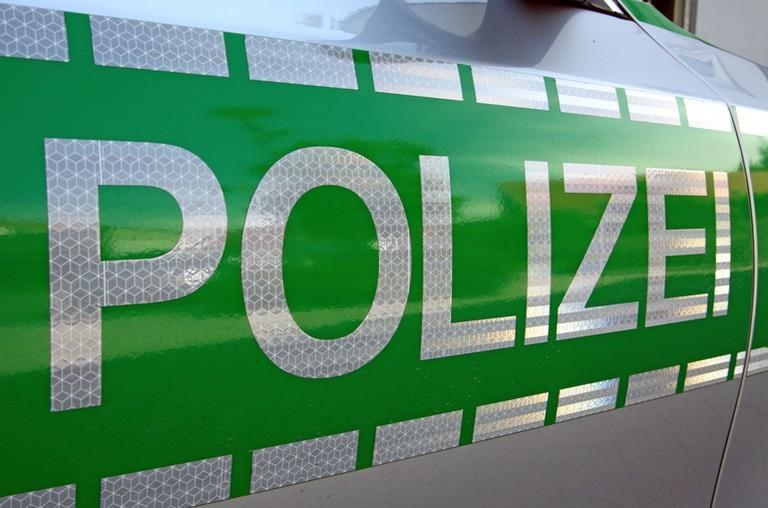 Name:  Polizei_jj.jpg Views: 324 Size:  93.2 KB