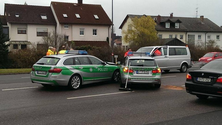 Name:  polizei crash.jpg Views: 327 Size:  98.9 KB