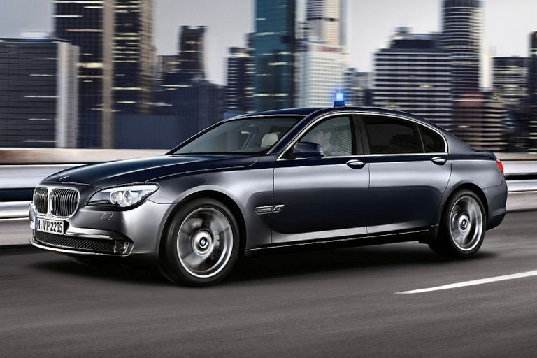 Name:  Polizei-Einsatz     BMW-7er-Polizei-729x486-8d73e3ed01ec50a0.jpg Views: 320 Size:  91.6 KB