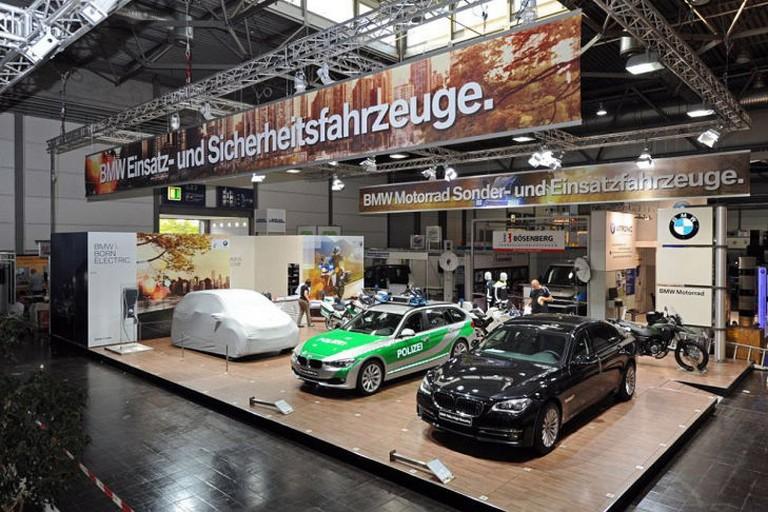 Name:  Polizei-Einsatz     BMW-7er-Polizei-729x486-26bdc82827c6b17e.jpg Views: 319 Size:  138.0 KB