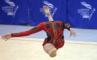 Name:  rhythmic_gymnastics_12.jpg Views: 1028 Size:  19.1 KB