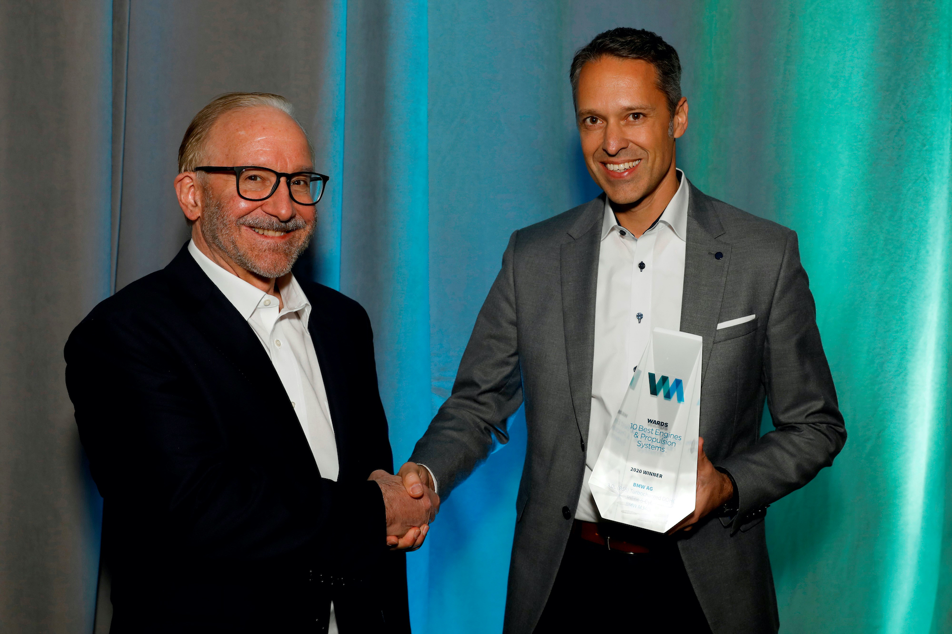 Name:  Ralph_Mahler_Accepting_2020_Wards_10_Best_Engines_and_Powertrain_Award.jpg Views: 12717 Size:  1.99 MB