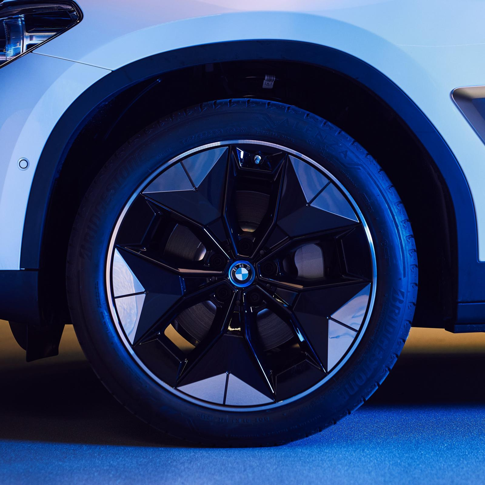 Name:  BMW iX3 i4 Aerodynamic Wheels1.jpg Views: 4534 Size:  215.5 KB