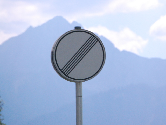Name:  autobahn-end-of-restrictions-sign.jpg Views: 6754 Size:  83.5 KB