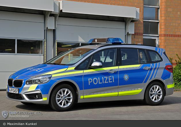 Name:  polizei  399140-large.jpg Views: 395 Size:  366.3 KB
