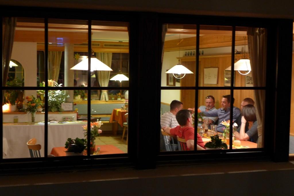 Name:  SchlossBlick Hotel near Kufstein, AustriaP1000936.jpg Views: 2994 Size:  150.4 KB