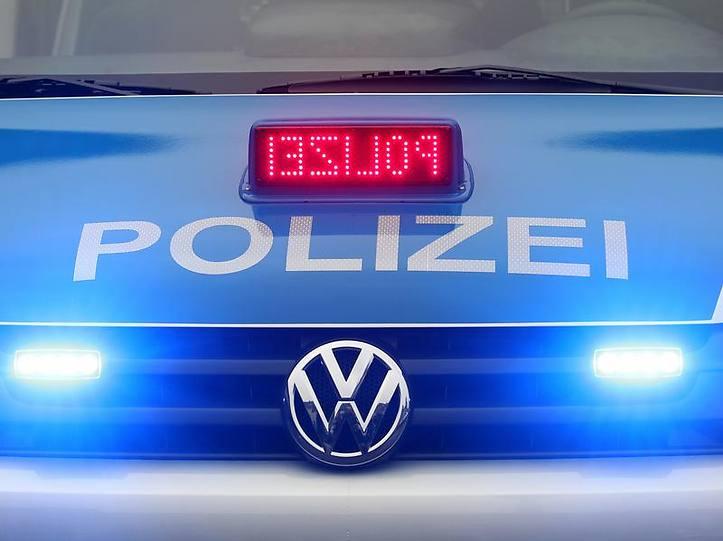 Name:  polizei blaulicht.jpg Views: 3605 Size:  37.3 KB