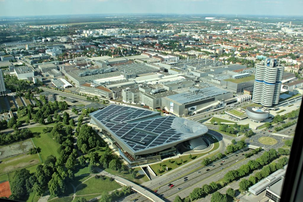 Name:  BMW Welt and Museum and WERK  IMG_8928.jpg Views: 2803 Size:  179.6 KB
