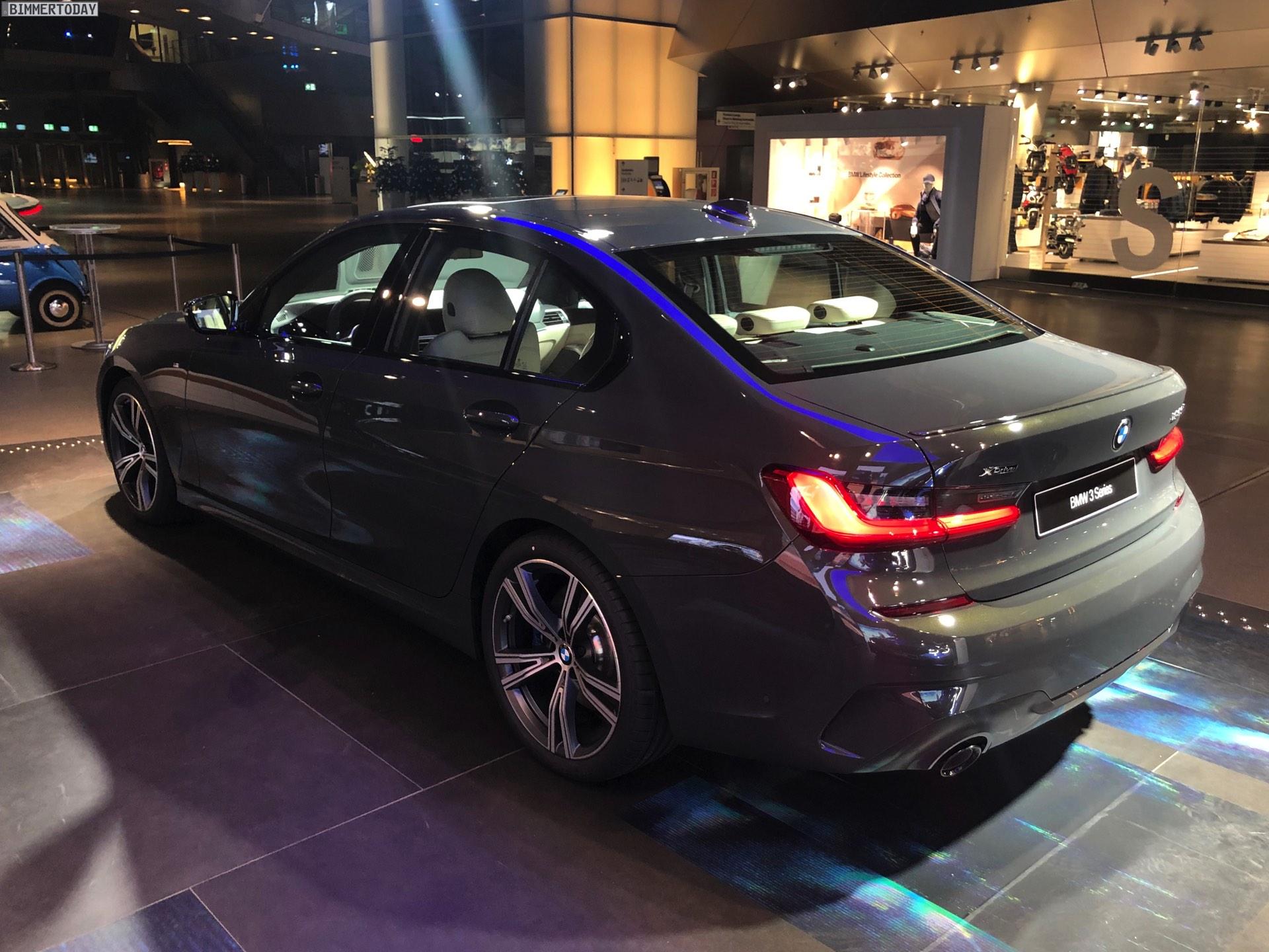 Name:  2019-BMW-3er-G20-M-Sport-Shadow-Line-erweiterter-Umfang-Dravitgrau-08.jpg Views: 28818 Size:  421.2 KB