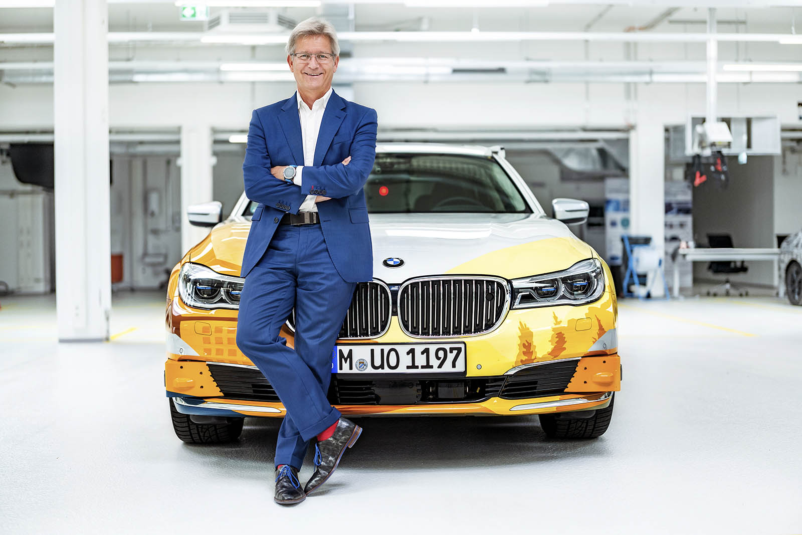 Name:  P90333612_highRes_bmw-autonomous-drivi.jpg
